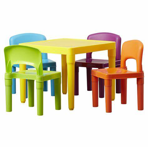 TODDLER TABLE & CHAIRS